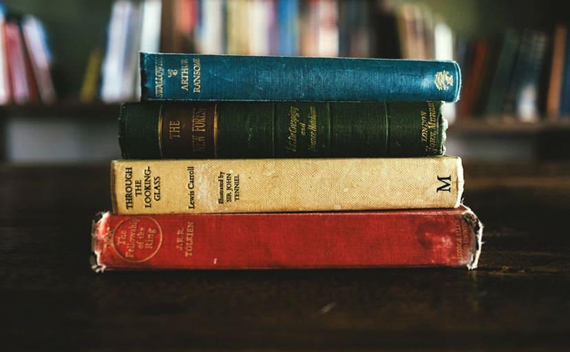古い本(フリー写真)