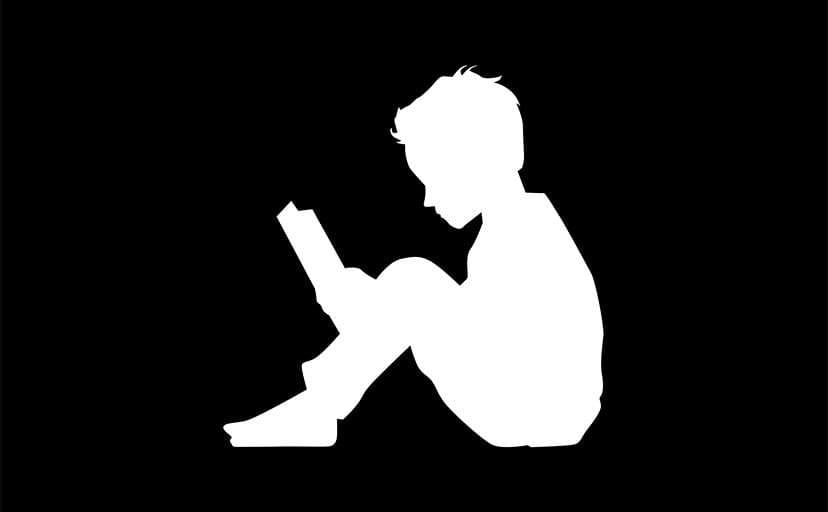 少年のシルエット(フリー素材)