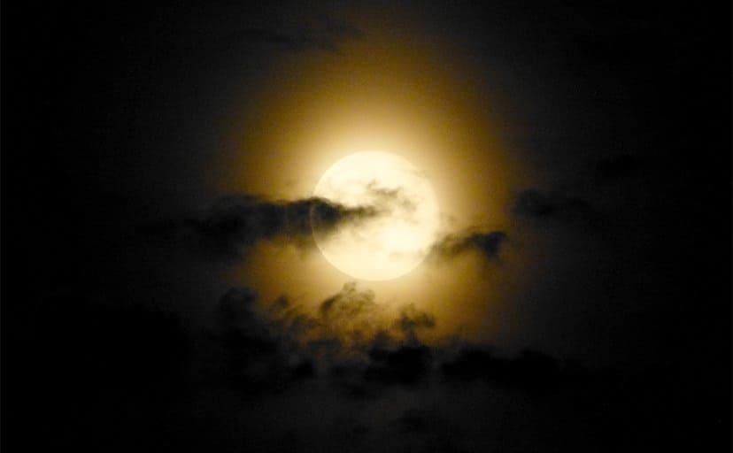 満月(フリー画像)