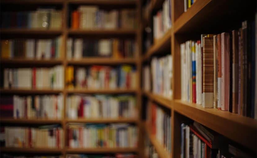 古書店(フリー写真)
