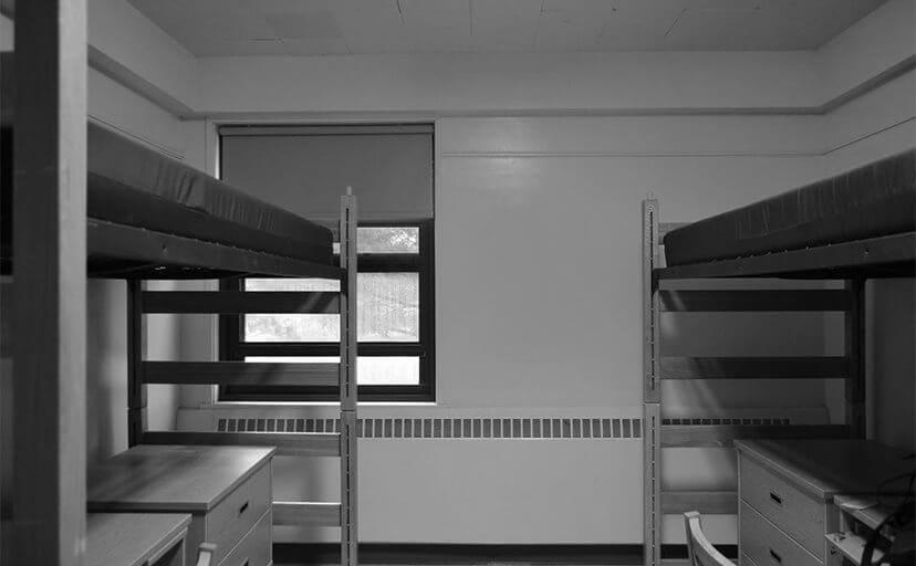 学生寮の部屋(フリー写真)