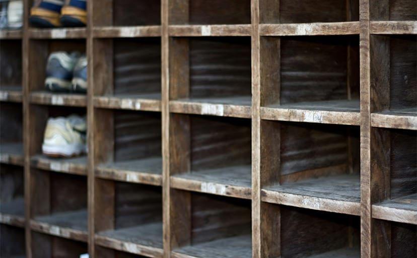 学校の下駄箱(フリー写真)