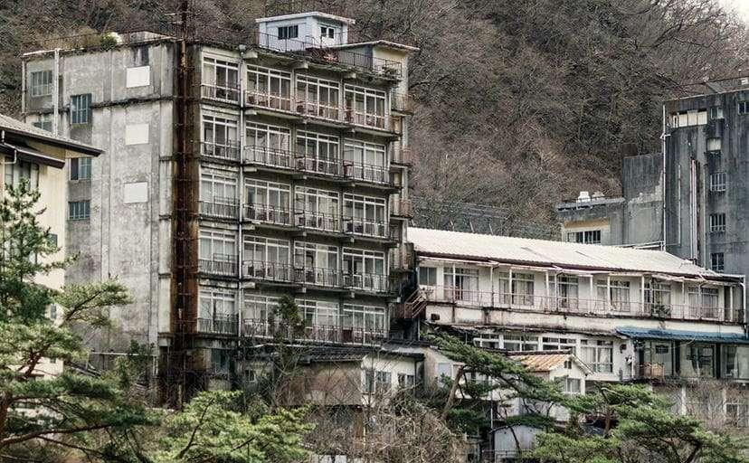 廃ホテル(フリー写真)