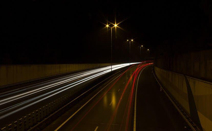 高速道路(フリー写真)
