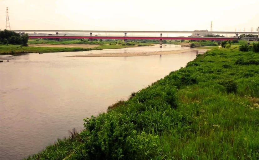河原(フリー写真)