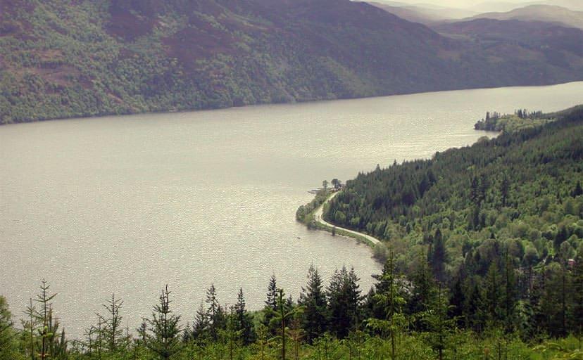 ネス湖(フリー写真)