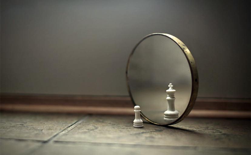 鏡(フリー素材)