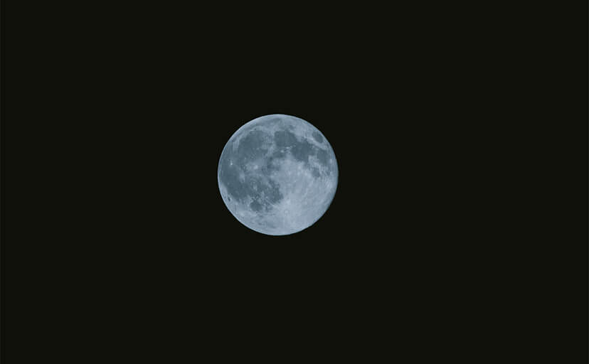 満月(フリー写真)