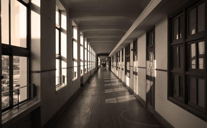 小学校の廊下