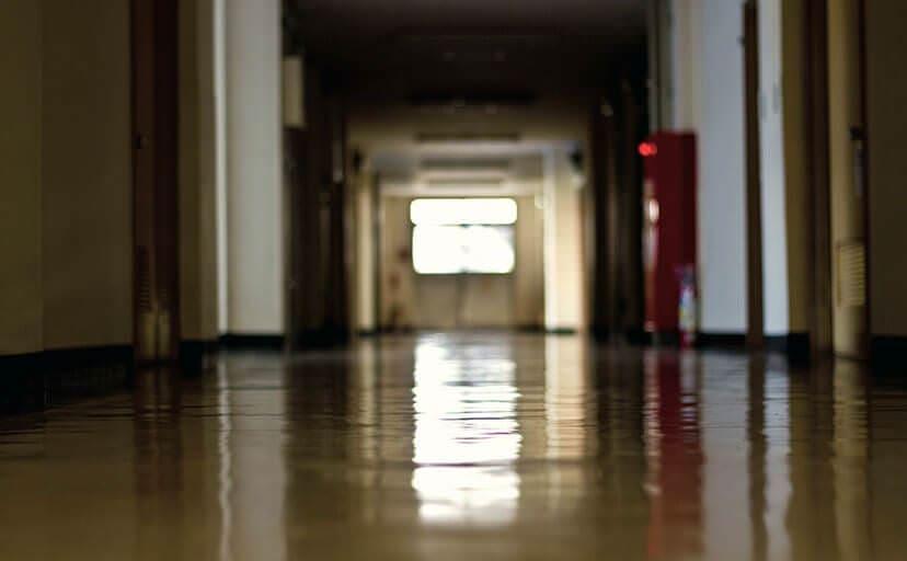 廊下(フリー写真)