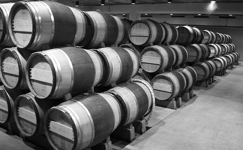 ワイン倉庫(フリー素材)