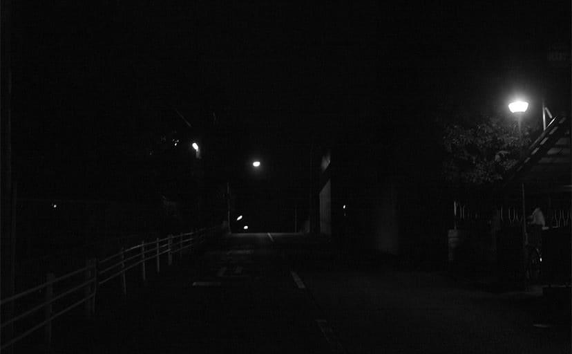 夜道(フリー写真)